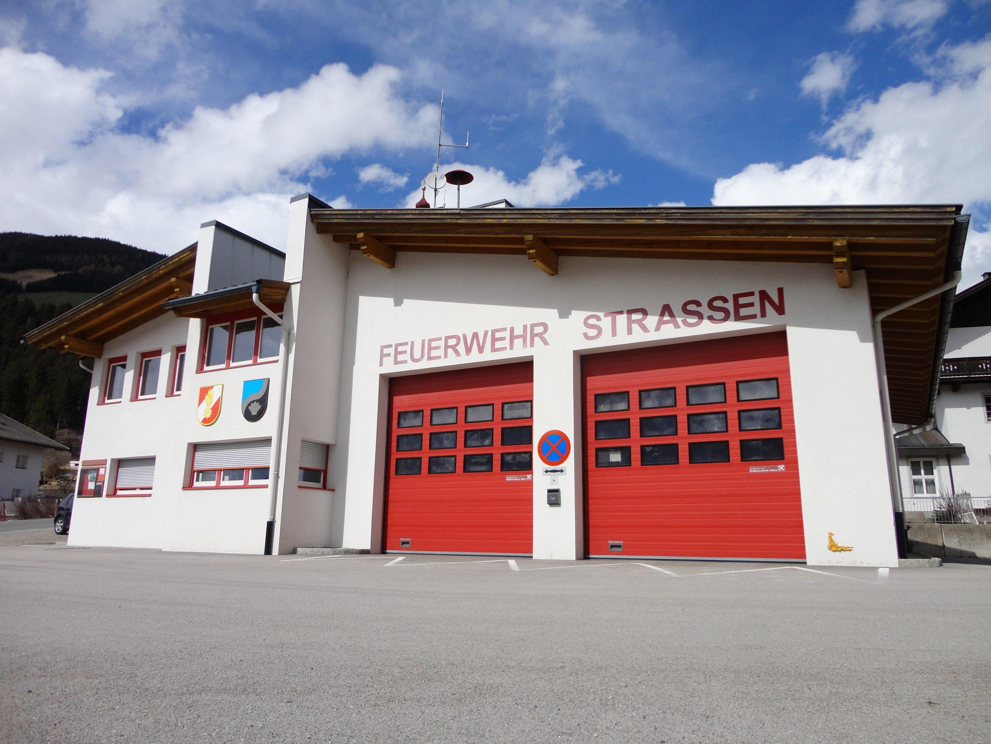 Gerätehaus Feuerwehr Strassen